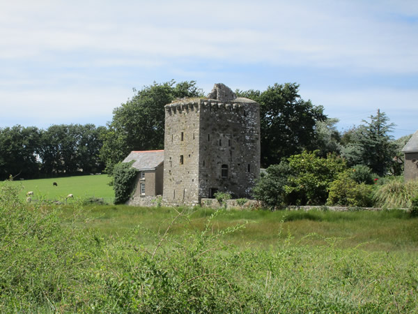 13/7: Angle Tower House
